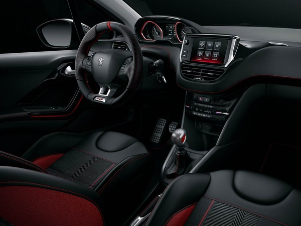 Novo-Peugeot-208-2016-interior