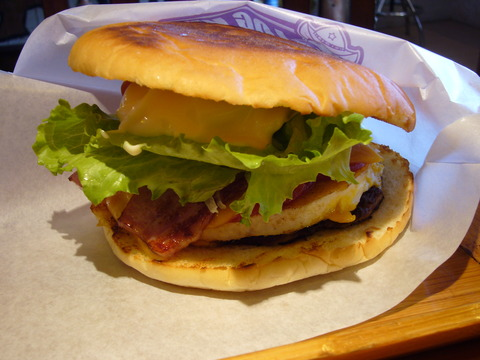 The_Sasebo_burger_made_at_The_Logkit