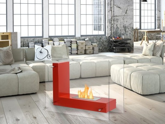 Vitrum-L-Freestanding-Ethanol-Fireplace-in-a-Room-600x450