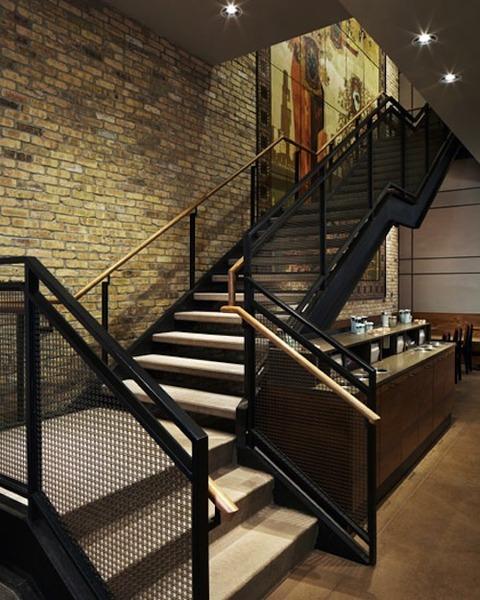 1_starbucks_stairs