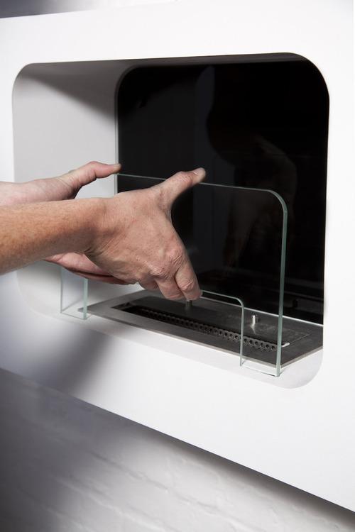 Installation - Step 2 - Insert the glass