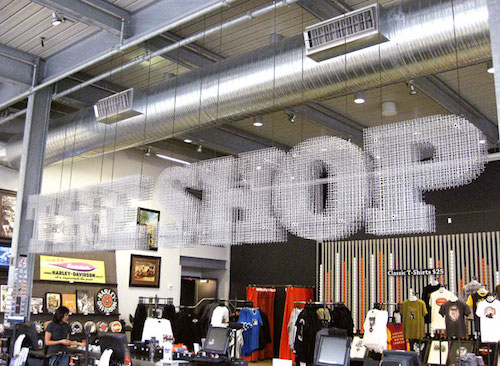 3d_wire_mesh_sign_at_harley_davidson_museum_shop_2_1342448365