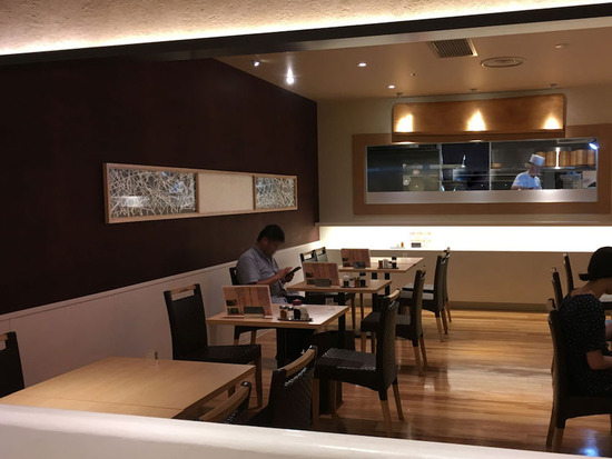 Restaurant Dining_6_6