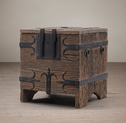 Spanish Trunck Side Table_3