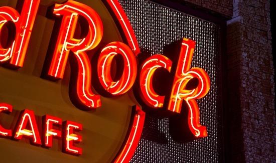 S-15_SS_hard-rock-cafehero_1