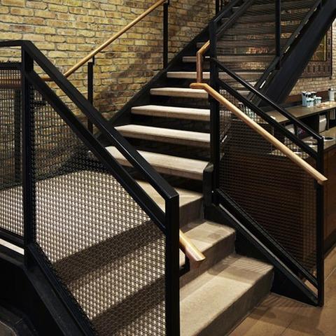 2_starbucks_stairs