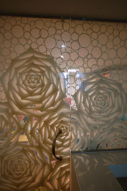 Custom Washi Laminated Glass Walk-in Closet_5