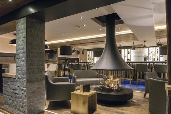 eva 992_Hotel des Alpes_1