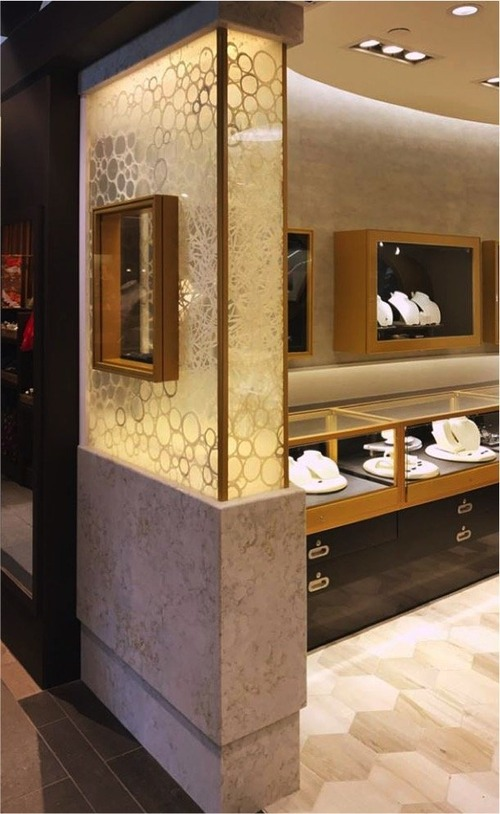 store showcase_3