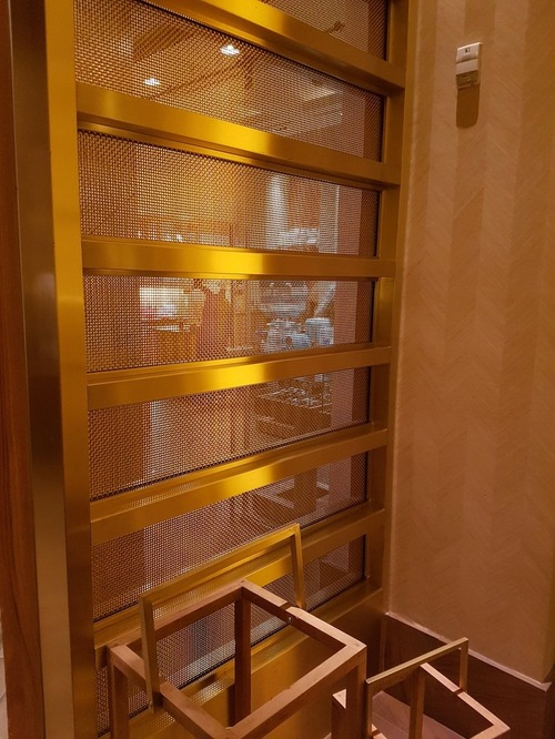 S-16 bronze_delano-hotel_7