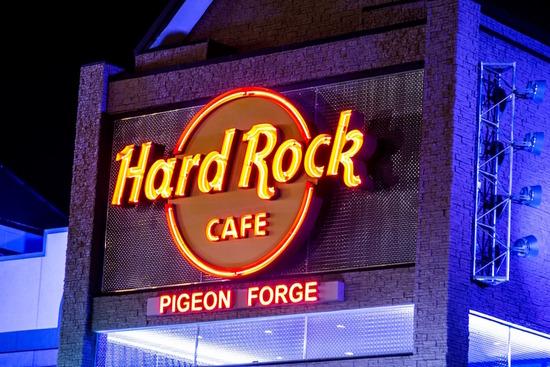 S-15_SS_hard-rock-cafehero_4