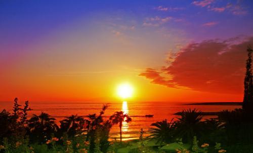 1378996395_pahpos-sunset