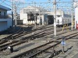 2012.11.18-8111F団臨-川越市側線から見た川工構内