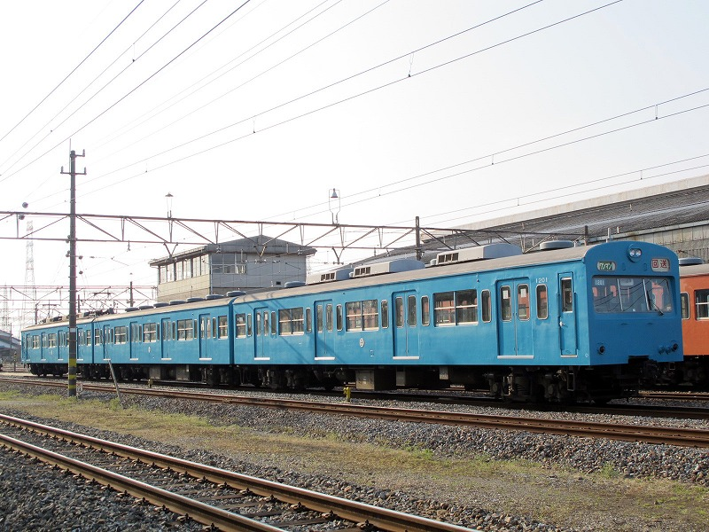 虹ブログ : 広瀬川原車両基地を...