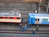 2008.2.24-西武38102F甲種-38102Fの手前で一旦停止するE34+E31