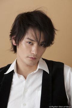 小田井涼平さん 小田井涼平さん2009年カレンダー 小田井涼平さんの今年7本目の舞台『サダオのサ