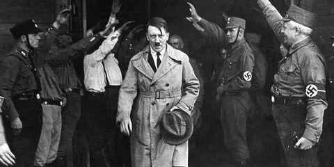 ヒトラーになって世界大戦を勝利できれば100万円