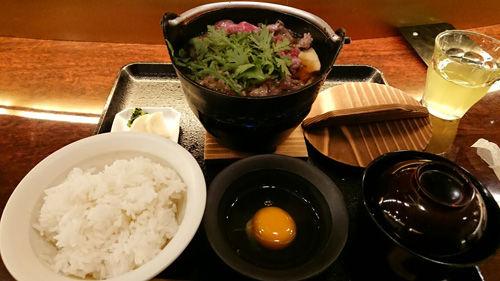 松阪牛のすき焼き鍋膳