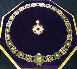 Collar_of_the_Supreme_Order_of_the_Chrysanthemum_004