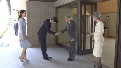 皇太子夫妻と昼食を共にされた。報道には日本の皇太子夫妻や秋篠宮ご夫妻が同席されたとは書かれてない