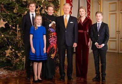 queen-mathilde-in-dries-van -noten-floral-gown-15