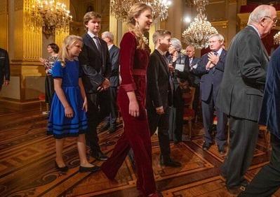 queen-mathilde-in-dries-van -noten-floral-gown-8