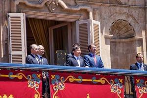 visita-del-principe-naruhito-salamanca-L-EpGA5A