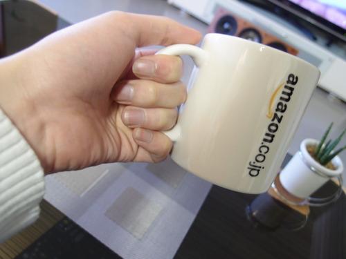 Amazonオリジナル マグカップ 指3本
