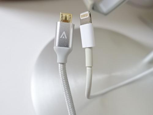 USB micro B ケーブル
