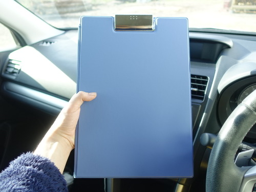 書類クリップボード