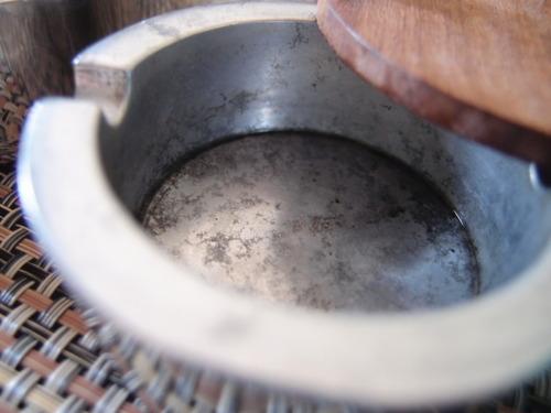 アルミ製灰皿 酸化