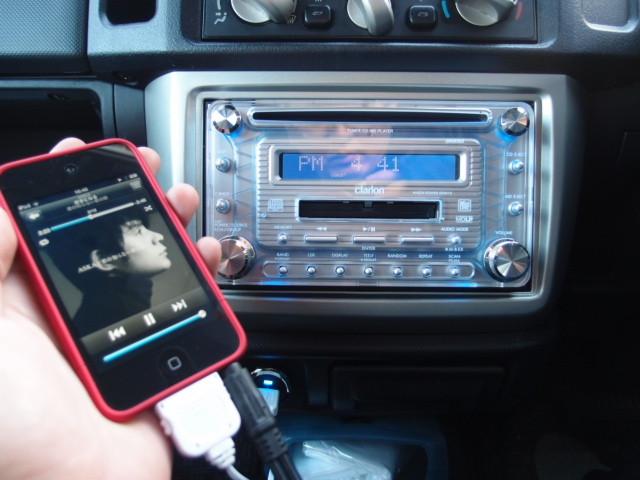 iPhone・iPod 車のオーディオで音楽を聞くためのケーブルと手順の ...