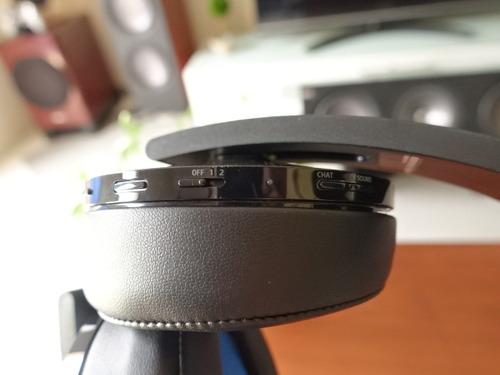 プレミアムワイヤレスサラウンドヘッドセット ヘッドバンド ボタン類