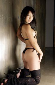 jp_feti_ch-siri_imgs_8_9_8950346d