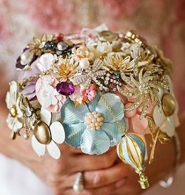 Brooch Bouquet1