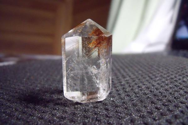 ルチルクォーツ(針水晶)