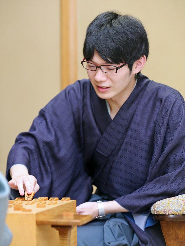 斎藤慎太郎新王座が誕生 3勝2敗で初タイトル、将棋王座戦 : DAILY将棋新聞