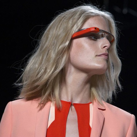 chi-google-glass-wearing-woman