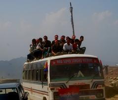 シャプルベシ行きバス