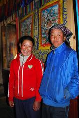 キャロ・ゴンパの二人の若い寺守