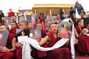 2.2.2011 カルマパ擁護行進/集会 ダラムサラ