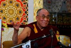 10.3.09 Dharamsala 法王記者会見3