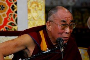 10.3.09 Dharamsala 法王の記者会見  11