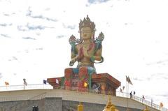 ヌブラの弥勒菩薩像