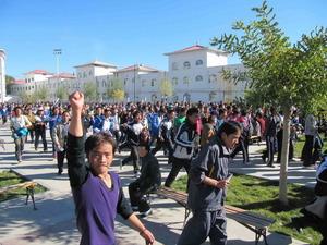 チベット語擁護の高校生のデモ、チャプチャ