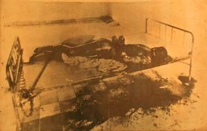 収容所内で拷問により死亡した人