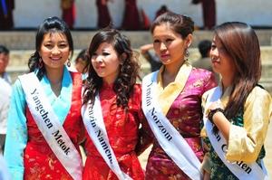 1.6.2010 H.H.Dalai Lama,Tsuklhakan / TCV