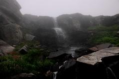 ロタン峠付近の滝