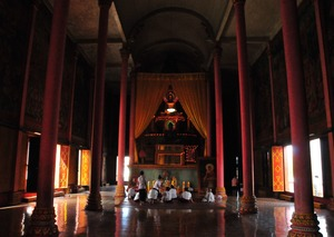 プチュン・バン(カンボジアのお盆)