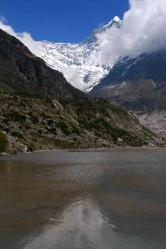 タルナからの帰り道,氷河舌端の氷河湖